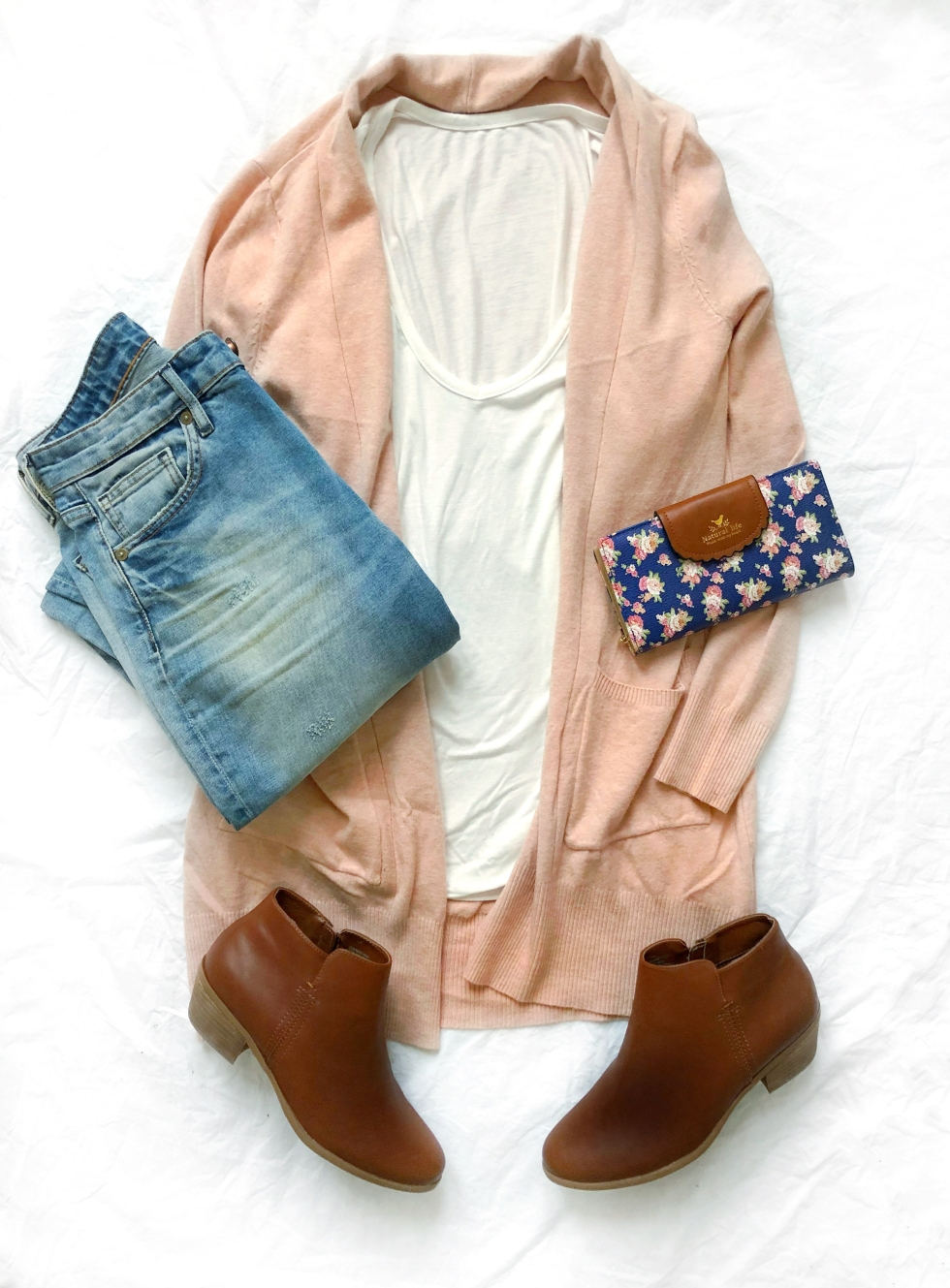 BLUSH PINK CARDIGAN FLATLAY FROM AMAZON PRIME